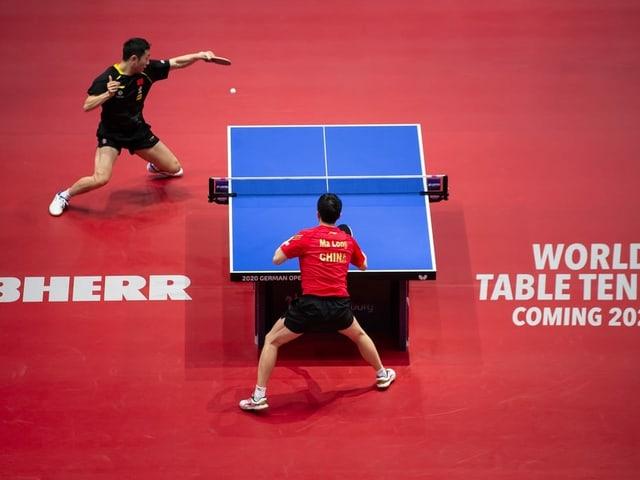 Zwei Tischtennis-Spieler