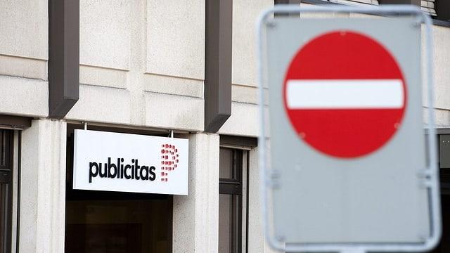 Eingang des Publicitas-Gebäudes.