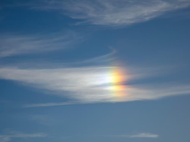 Spektralfarben einer Nebensonne.