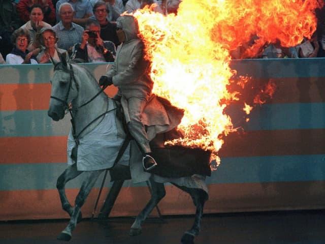 Feuerpferd am Fête des Vignerons 1999
