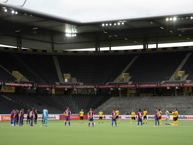 Leere Ränge in den Schweizer Fussball-Stadien.
