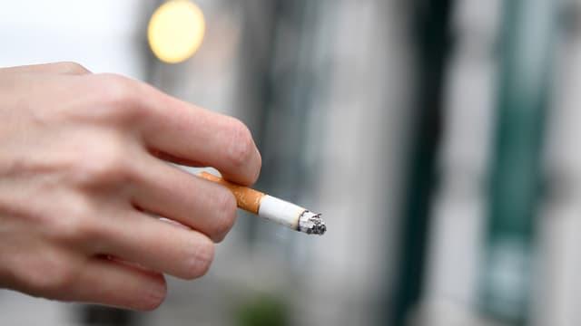 Maun cun ina cigaretta
