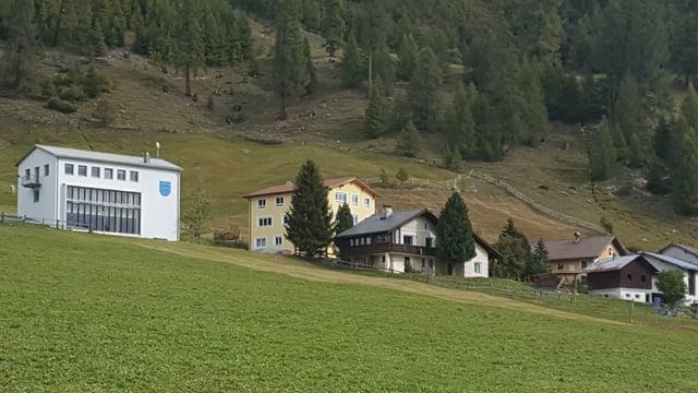 Il center d'astronomia al ur da la fracziun da Lü en Val Müstair  (chasa melna)