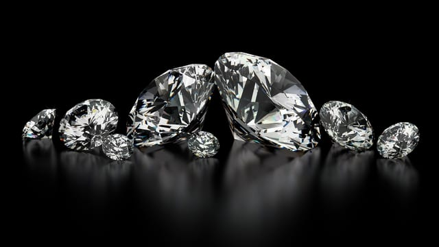 Diamanten in Reih und Glied