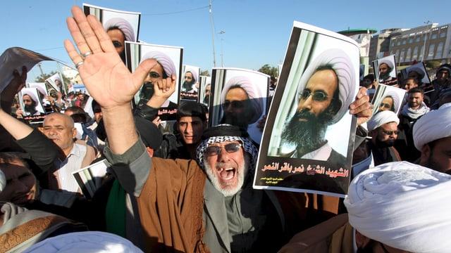 Wütende Schiiten demonstrieren in Bagdad. (reuters)