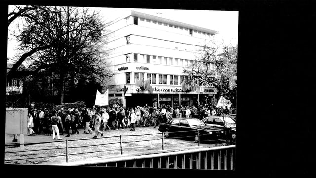 Foto der antirassistischen Kundgebung in Langenthal aus dem Album von Hannes Käser