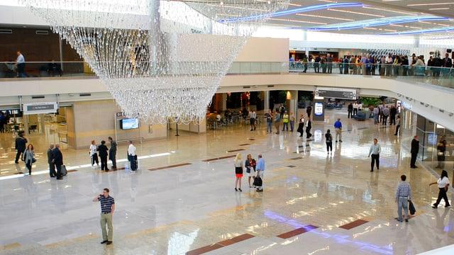 Flughafen-Halle