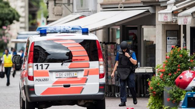 In auto da polizia en la citad veglia da Schaffusa.