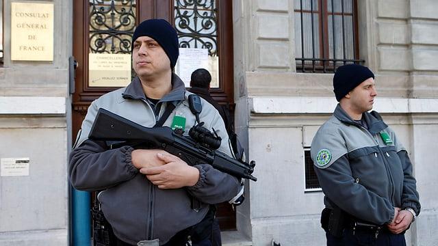 dus polizists armads