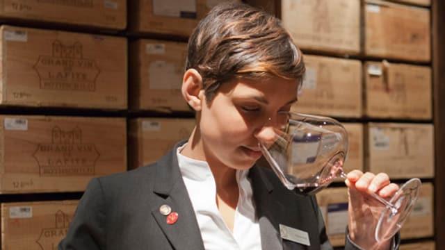 Top-Sommelière Amanda Bulgin im Weinkeller des Parkhotels Vitznau.
