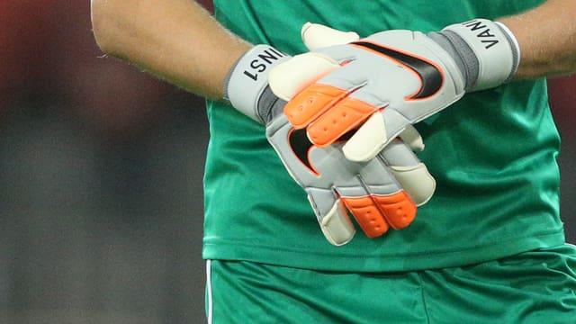 Spucke drauf, Ball klebt - Goalie-Handschuhe und ihre Geheimnisse.