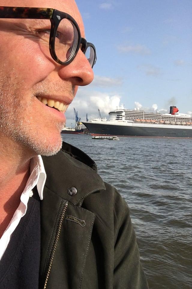 Thomas Gisiger am Hafen Hamburg
