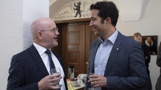 Köbi Frei trat bei den Wahlen am 10. Februar nicht mehr zur Wiederwahl an. Hier spricht der abtretende Regierungsrat mit dem Ausserrhoder Ständerat Andrea Caroni (FDP).