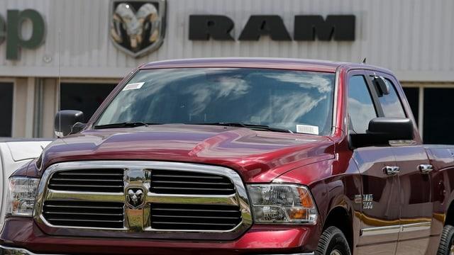 Fiat Chrysler sto installar novs programs en 104'000 autos da diesel.