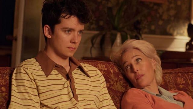 Prägende Figuren der zweiten Staffel: Der nerdige Teenager Otis und seine obercoole Mutter Jean, gespielt von Akte X-Star Gillian Anderson.