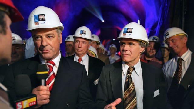 Ogi und Leuenberger bei der Eröffnung des Lötschbergtunnels 2005