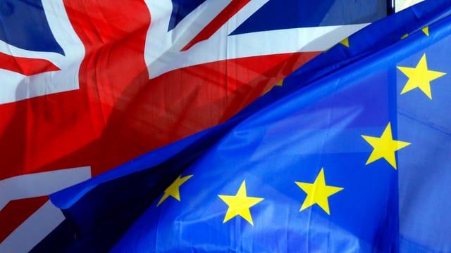Union Jack und EU-Fahne