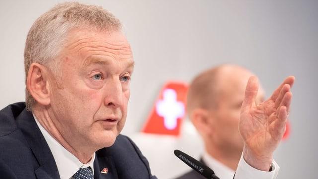 Swiss-Konzernchef Thomas Klühr redet.