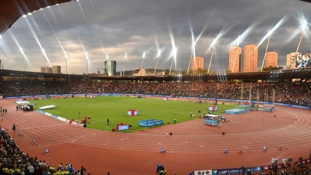 Ein Blick ins Letzigrund-Stadion von den Zuschauerrängen aus.