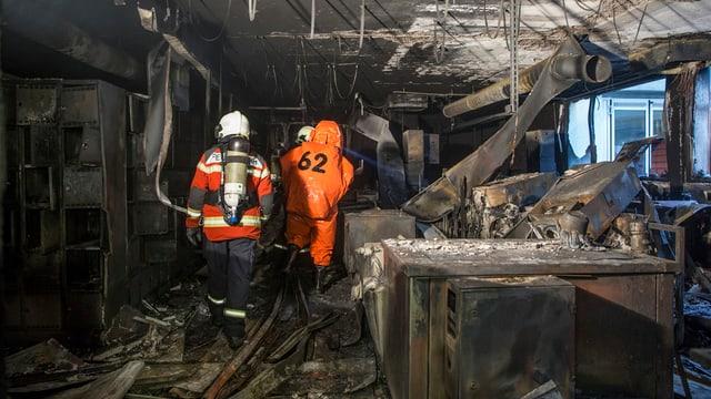 Ausgebrannter Raum in der Uhrenfabrik Eta.