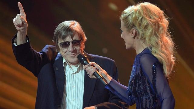 Polo Hofer ensemen cun la moderatura Christa Rigozzi.
