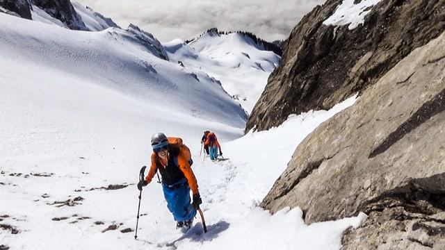 Das SAC Expeditions-Team auf Ski-Tour.