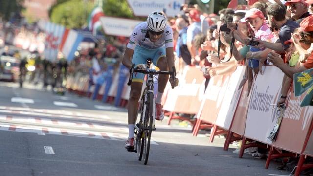 Fabio Aru setzt sich an der Vuelta an die Spitze.