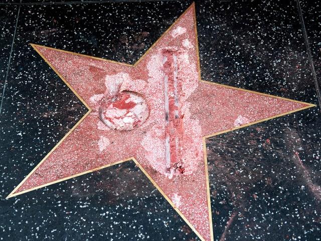 Zetrümmerter Stern auf dem «Walk of Fame».