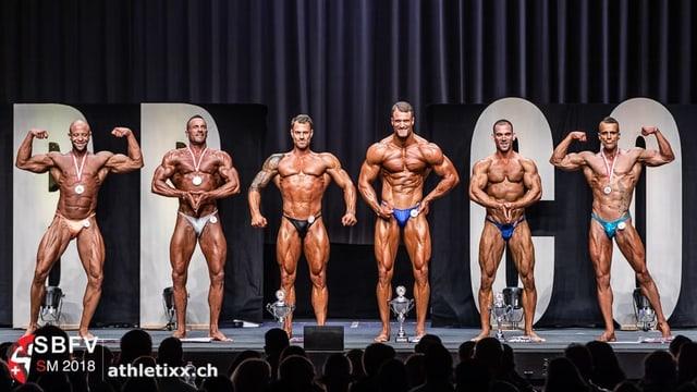 Sechs Athleten in einer Reihe