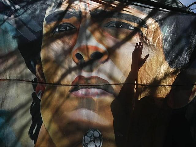 Diego Maradona ist am 25. November 2020 60-jährig verstorben.