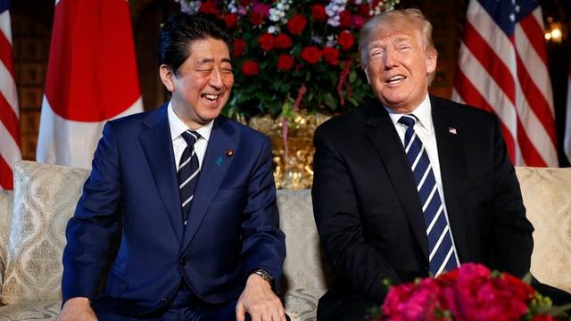 Abe und Trump.