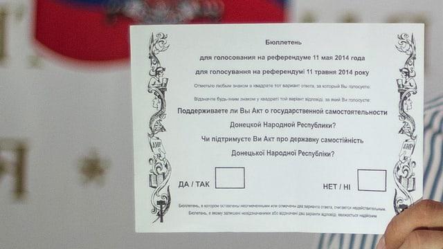 Wahlzettel für die Bewohner in Donezk