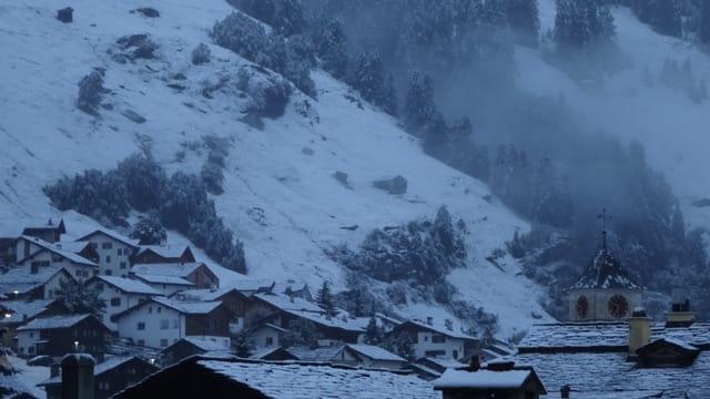 Verschneite es Vals am letzten Sonntag.