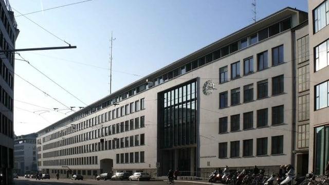 Fassade des Sitzes des Basler Sicherheitsdepartements im Spiegelhof.
