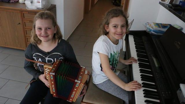 Ladina und ihre Schwester