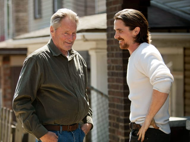 Sam Shepard und Christian Bale in «Out of the Furnance» (2014).