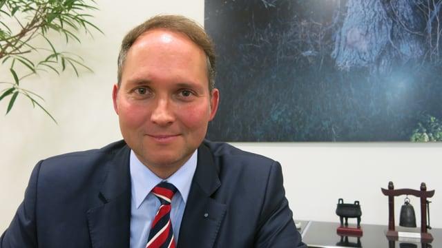 Simon Michel in seinem Büro