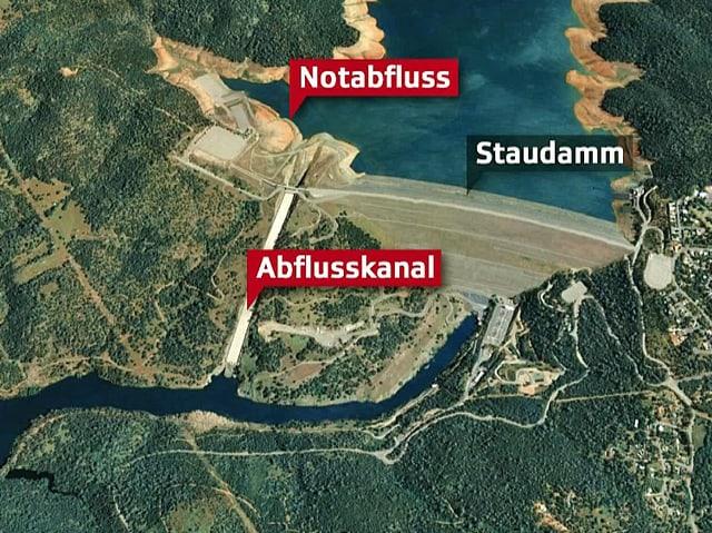 Luftbild von Google Earth von der Stauanlage und den Abflusskanälen.