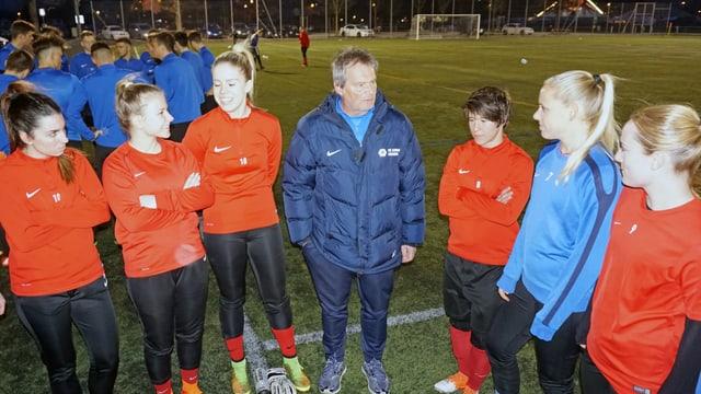 Das Team des FC Aarau Frauen im Schachen.