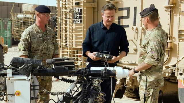 Cameron mit GB-Soldaten.