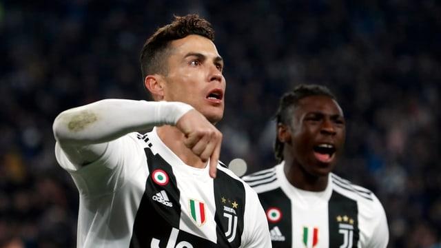 Cristiano Ronaldo celebrescha ses segund gol cunter Atletico Madrid.
