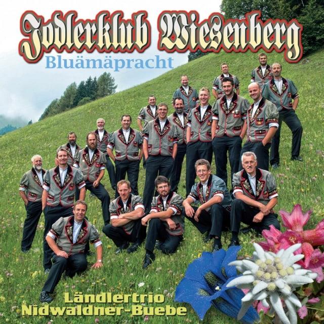 Der Jodlerklub Wiesenberg auf dem Cover zur neuen CD «Bluämäpracht».