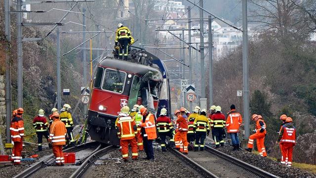 Arbeiter an SBB-Unfallstelle