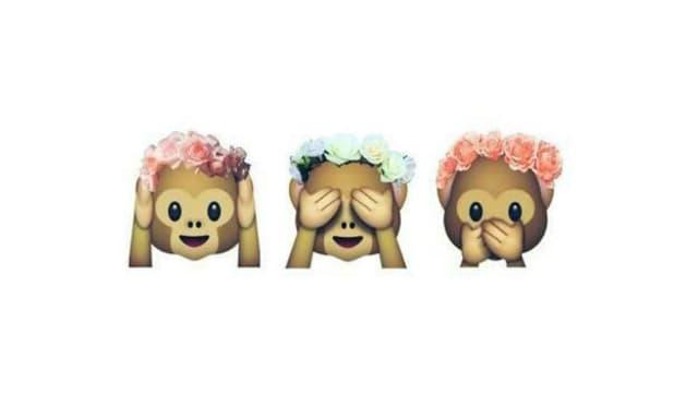 Äffli mit Blumenkranz