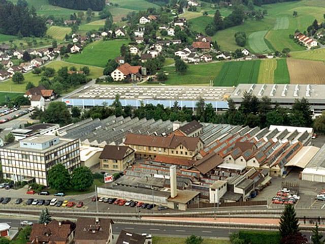 Fabrikgebäude von oben