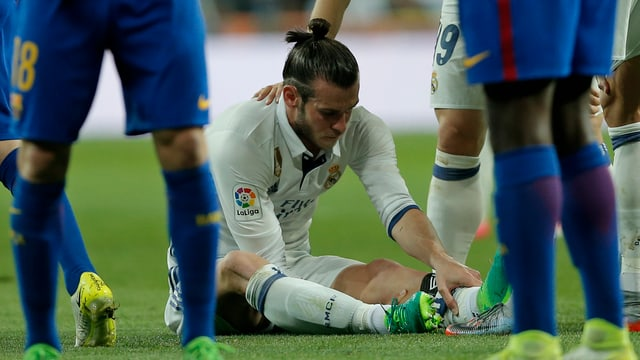 Gareth Bale muss den «Clasico» bereits frühzeitig beenden.