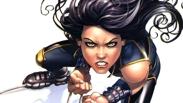 Eine junge Frau schaut aggressiv.