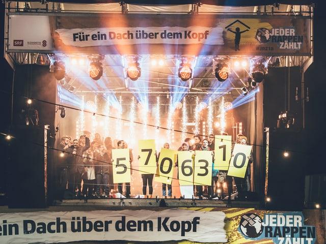 Bühne auf Glasbox
