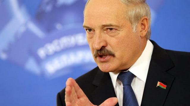 Lukaschenko en posa da persvasiun