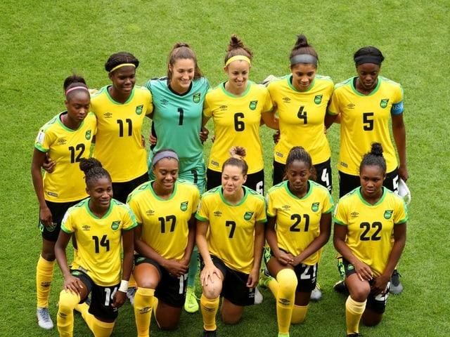 Die Gruppe der Fussballerinnen aus Jamaica